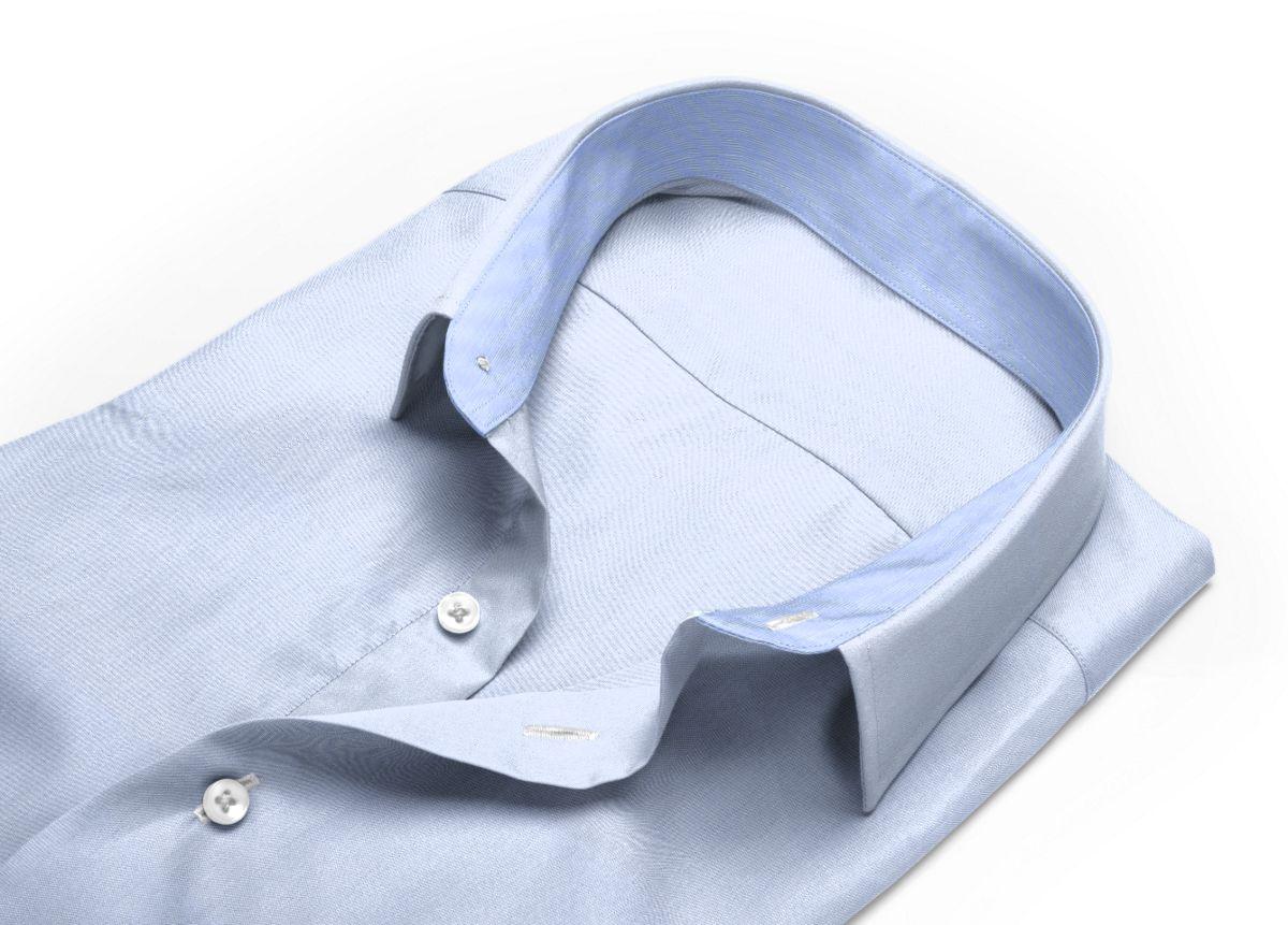 Chemise homme sur mesure col italien très ouvert bleu ciel, bleu uni