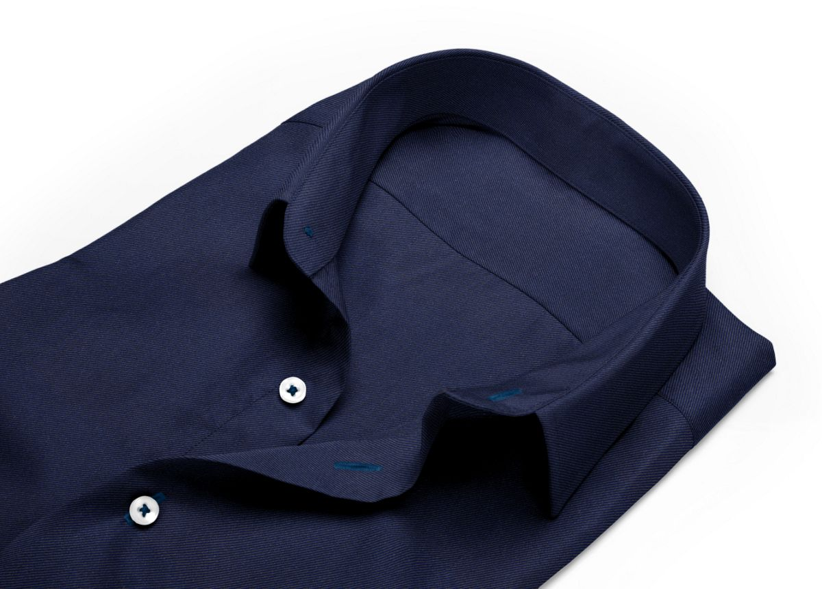 Chemise homme sur mesure col italien ouvert bleu, bleu foncé uni