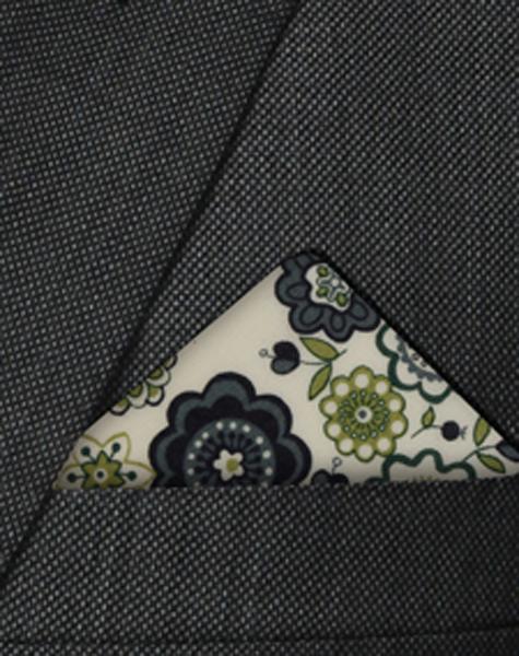 Pochette verte à motifs floraux