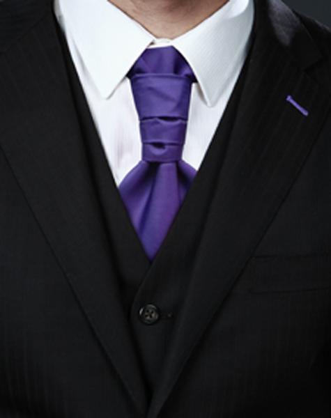 Cravalière violet foncé