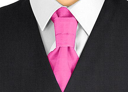 Cravalière en soie rose