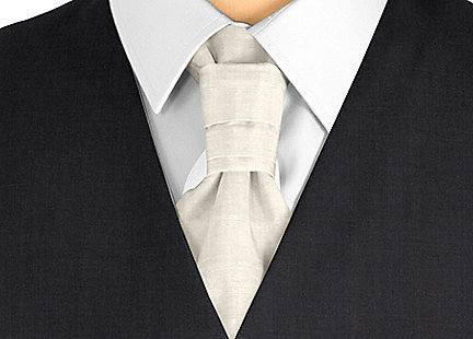 Cravalière en soie gris