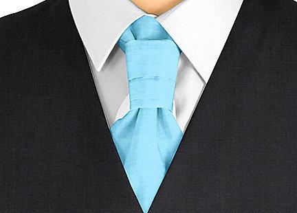Cravalière en soie bleu turquoise