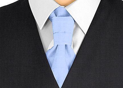 Cravalière en soie bleu