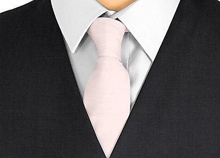 Cravate rose pâle en soie
