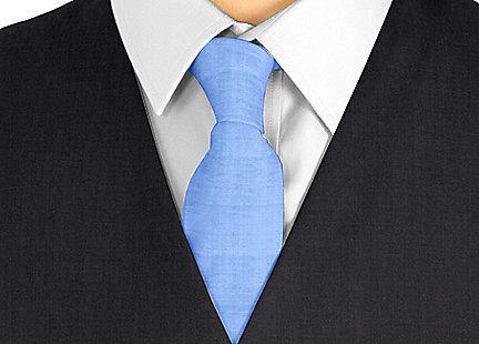 Cravate bleu foncé en soie