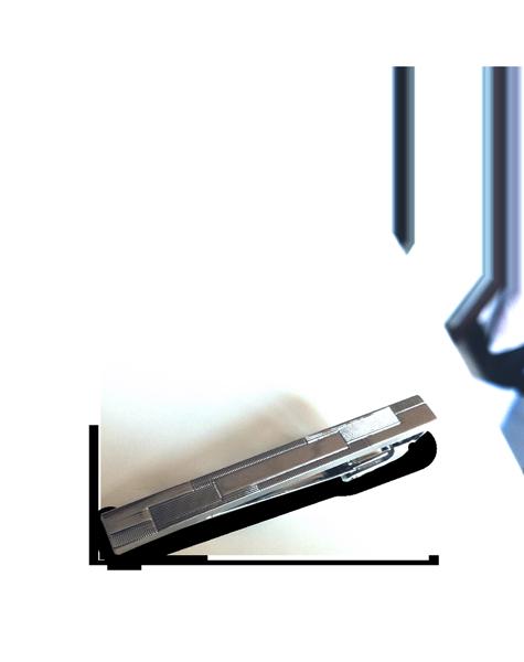 Pince à cravate argentée